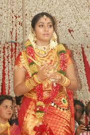 navya nair wedding ornaments shadi pictures