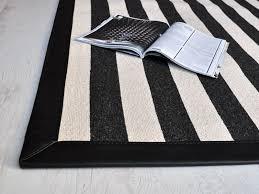 tappeti moderni bianchi e neri tappeti bianchi e neri formarredo due consigli e idee per