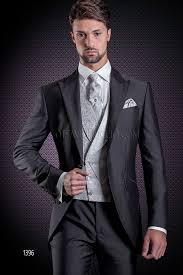 gilet mariage costume de mariage gris foncé et gilet croisé damassé gris