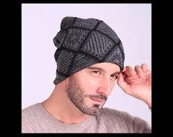 modelos modernos para gorras tejidas con gorros para varones en variados modelos tejidos a crochet imagenes
