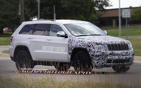 Jeep Spy Shots Spied 2014 Jeep Grand Cherokee With Refreshed Grille