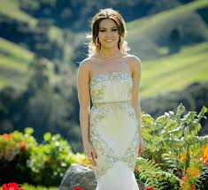 the bachelorette australia 2015 u0027s sam frost u0027s finale dress was
