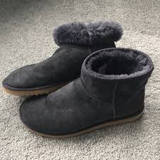 ugg womens finney boots 72 ugg shoes ugg mini navy boot size 9 from