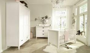 babyzimmer landhausstil babyzimmer landhausstil weiss mit kiefer babymöbel installation