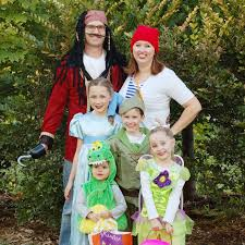 family costumes halloween peter pan family theme halloween costumes the fleglets youtube