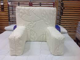 cuscino per leggere a letto poggia schiena materassi materassi grosseto materassi toscana