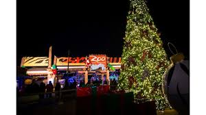 columbus zoo christmas lights free admission in exchange for canned food on first day of columbus