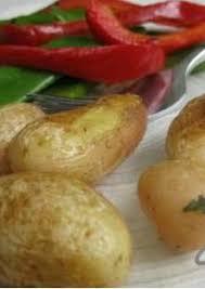 cuisiner les pois mange tout pommes de terre poivrons et pois mange tout