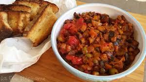 cuisiner aubergine a la poele caponata d aubergines une recette aux saveurs du bassin