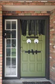 how to make your front door look spooky this halloween