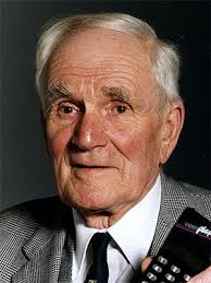 desmond llewelyn q universal exports the home of james bond 007