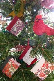 Christmas Book Ornaments - 137 best bookish christmas images on pinterest mini books book