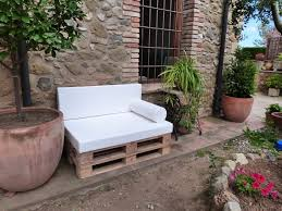 Pallet Sofa Cushions by 39 Outdoor Pallet Furniture Ideas And Diy Projects For Patio