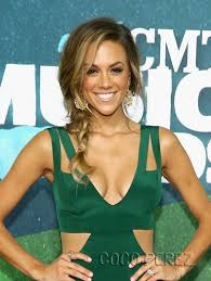 newlyweds jana kramer u0026 mike caussin have us green with envy at