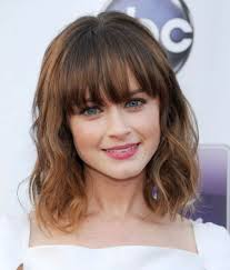 best 25 medium hairstyles with bangs ideas on pinterest side