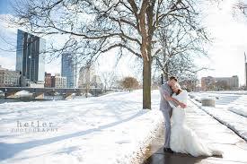 Photographers In Grand Rapids Mi Grand Rapids Wedding Photographer Eric U0026 Jessica U0027s Bissell Tree