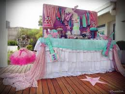 Interior Design Simple Barbie Theme by 40 Best Barbie Rock N Royals Party Images On Pinterest