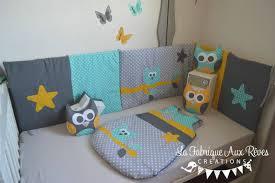 chambre bébé gris et turquoise décoration chambre bébé flamant palmier étoiles nuages mint