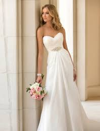 preowned wedding dresses uk january 2016 bridal trend ideas