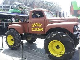 original grave digger monster truck grave digger 1 monster trucks wiki fandom powered by wikia