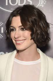 new short hair model 2015 we really need to discuss anne hathaway s current hair situation