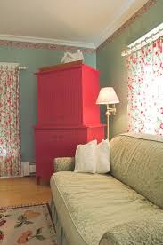media door county bed and breakfast sturgeon bay this picnic colors creates cheerful setting for the four poster canopy bed luxurious bathroom adjoining tower