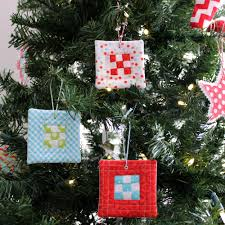 9 patch quilt block ornament allfreesewing com christmas