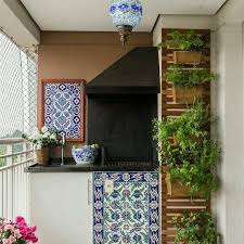 10 clever ways to decorate your balcony area recycled things