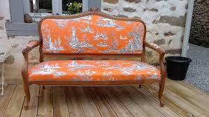 tapisser un canapé fauteuils voltaires