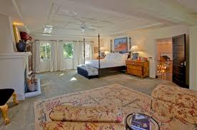 Wall Carpet Designs Or By Bright Beautiful Modern Style Bedroom - Wall carpet designs