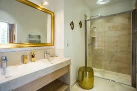 salle de bain chambre d hotes chambre d hôtes blanc or classique salle de bain clermont