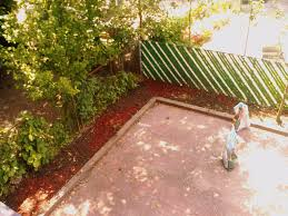 makemania gardening oak mulch for backyard beautification