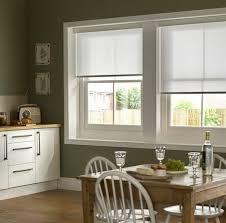 store pour fenetre cuisine stores occultants selon l intérieur et le type de la fenêtre
