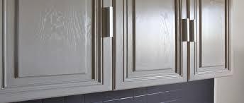peinturer armoire de cuisine en bois la peinture pour meuble de cuisine qui ne cache pas le bois
