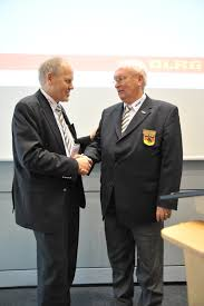 Dlrg Bad Nenndorf Hans Hubert Hatje Einstimmig Zum Neuen Dlrg Präsidenten Gewählt