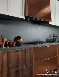 cuivre cuisine cuisine type industriel mobilier cuivre bois brut béton ciré