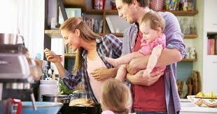 cuisine en famille 10 choses qui arrivent toujours quand on cuisine en famille cuisine az