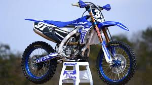 electric ktm motocross bike first look 2018 yamaha yz450f and yz250f dirt bike test