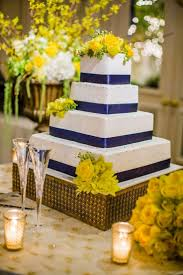 square wedding cakes the 25 best gold square wedding cakes ideas on pastel
