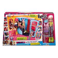 Barbie Photo Booth Bratz Selfiesnaps Photobooth Playset With Doll 50 00 Hamleys