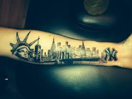 tatuajes de la estatua de la libertad skyline tattoo nyc