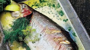 comment cuisiner une grosse truite recette de truite saumonée à la mode hollandaise l express styles