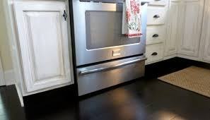 how to paint cabinets to look distressed kitchen cabinets distressed look exitallergy com