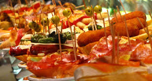 cuisine entre amis une activité ludique à faire entre amis tournée des bars à tapas de