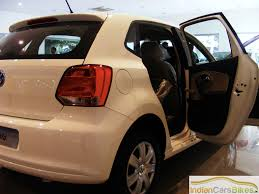 volkswagen polo white volkswagen polo review vw polo car road test drive report 2010