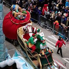 2016 macy s thanksgiving day parade 90th santa claus float