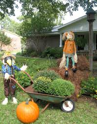 Thanksgiving Outdoor Decorations by Fall Front Yard Thanksgiving Pinterest Front Yards Yards
