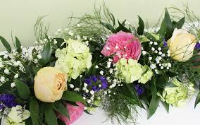 wedding flower bouquets best diy wedding flowers for bouquets and centerpieces budget