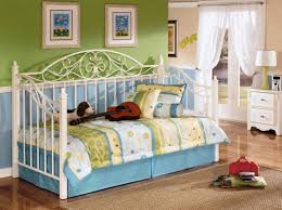 Daybed Sets Bedding For Daybeds Design Of Daybed For Girls With Daybeds For