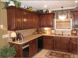 mahogany wood harvest gold amesbury door crown molding on kitchen